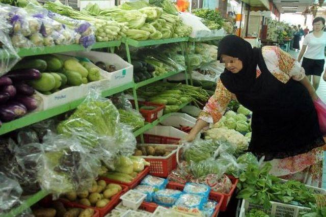 Pengguna dibebankan pula dengan kenaikan harga sayur-sayuran