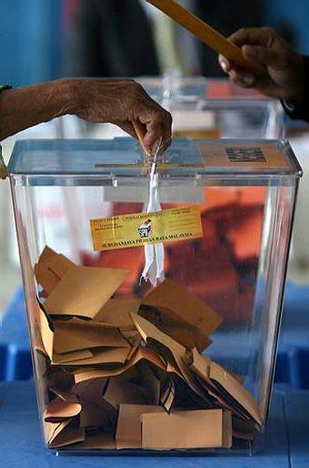 4.1 juta rakyat Malaysia layak mengundi belum berdaftar