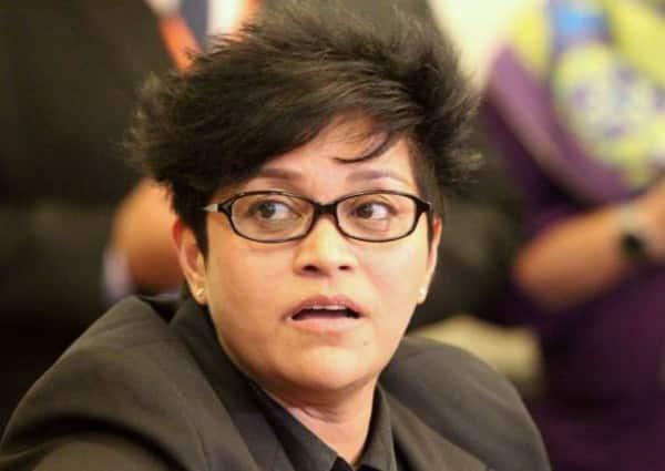 Lantiklah Menteri Kanan jurucakap Covid-19, kata Azalina