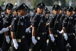 33 pegawai PDRM naik pangkat