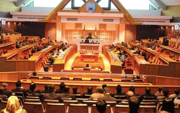 Baik bubarkan saja Dun Sabah demi kestabilan