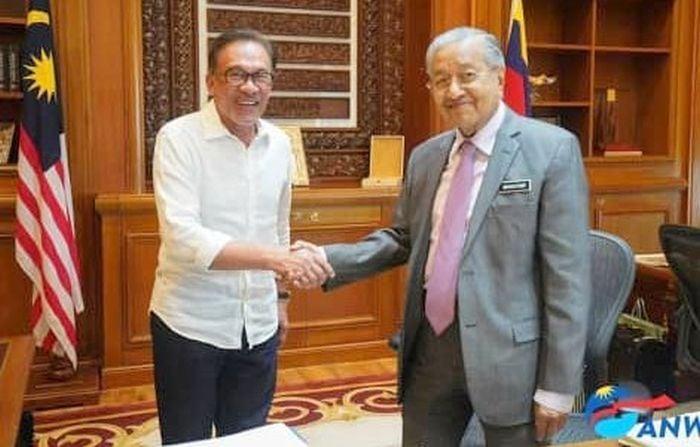 Propaganda musuh tajamkan sentimen Anwar-Mahathir dalam AMANAH