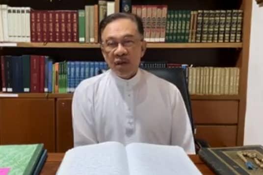 Anwar desak Muhyiddin jelaskan dari mana kekayaan diperoleh pemimpin Umno