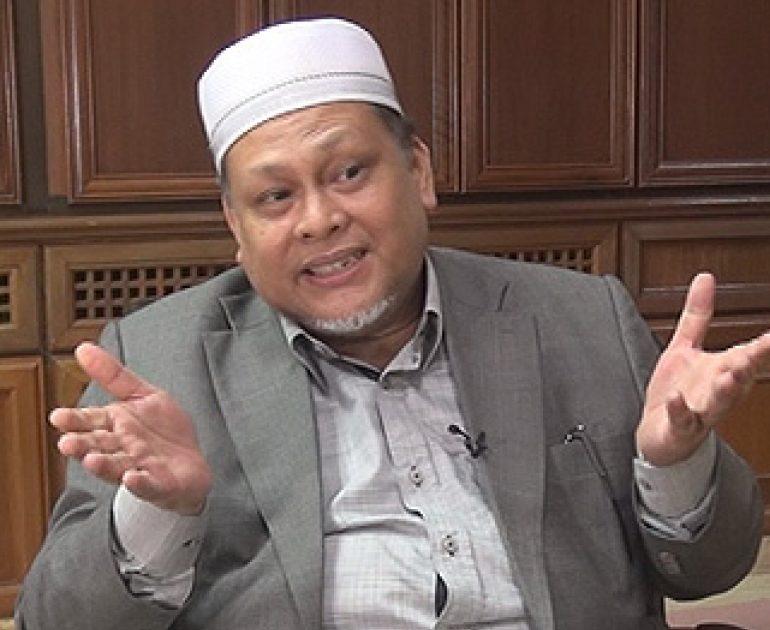 construir Uluru espía  Mana suara Umno Kelantan bila Nik Amar tak nak bagi jawatan exco' –  Malaysia Dateline