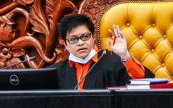 Idrus kena hadir sidang khas Parlimen, kata Azalina