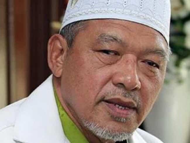 Tidak berani umum sendiri tutup gerai: MB Kelantan dituduh dayus