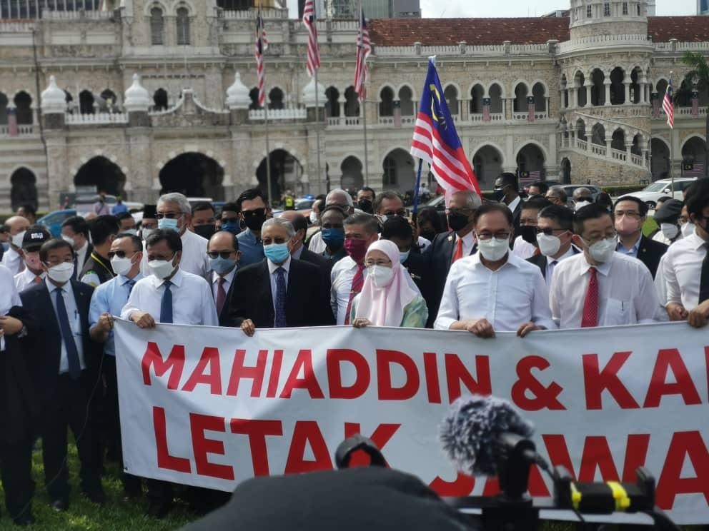 Mahathir akui silap, tidak sepatutnya MP pembangkang berhimpun semalam