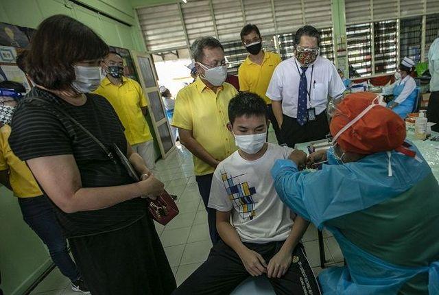 Covid-19: 18,815 kes baharu, Sarawak kekal tertinggi