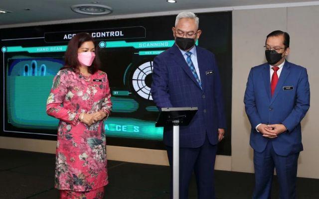 Tingkatkan peranan wanita dalam usahawan dan koperasi, kata menteri